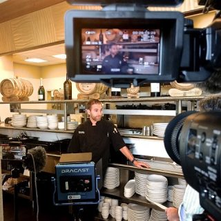 Every once in a while we film a chef who not only can cook but is really fun to be around @190sunset • • • • • #edmondseats #edmondsrestaurants #cheflife #behindthescenes
